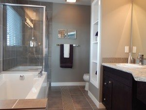 bathroom clean of grime and clutter